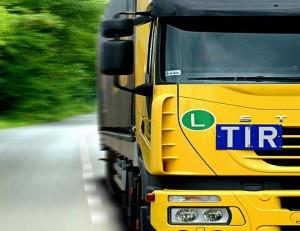 Camion de transport routier