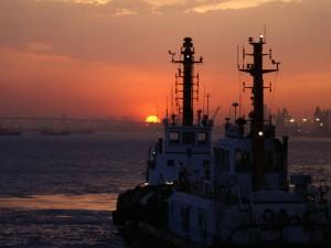 bateau de fret maritime
